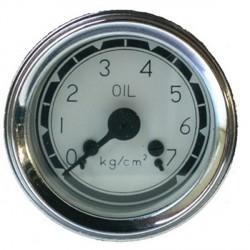 Reloj de presión de aceite fondo blanco